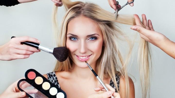 Женский парикмахер - стилист